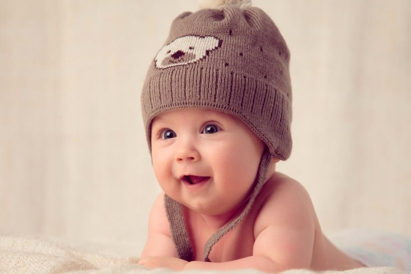download-cute-baby-with-hat-cap-wallpaper