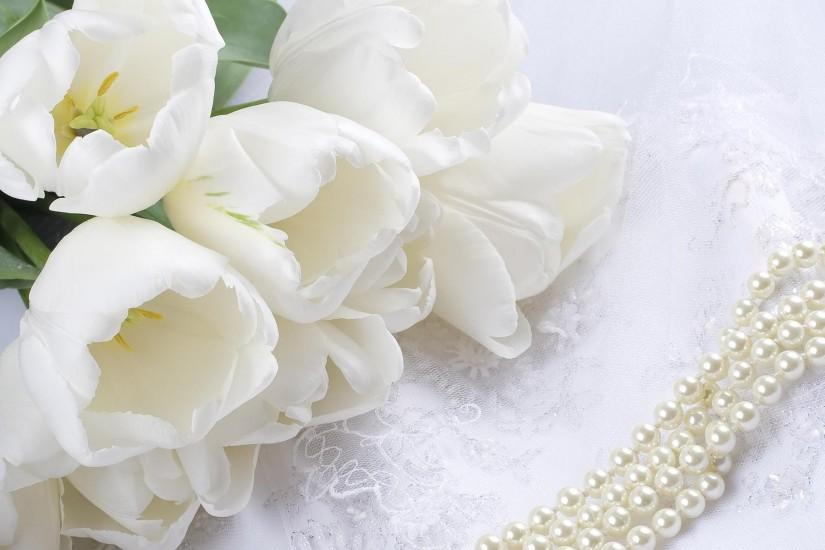 Flowers Tulips White Lace Beads Pearl Wallpaper.