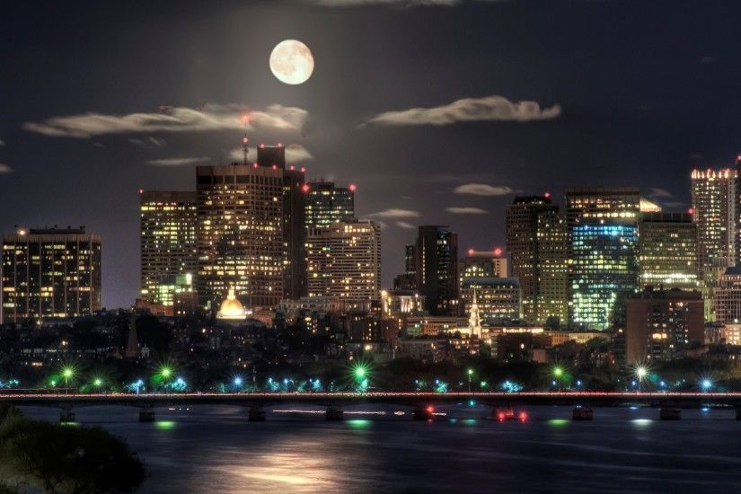 city skyline wallpaper-Moon over boston