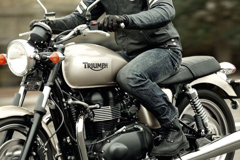 Back to 2013 Triumph Motorcycle Model Review Page