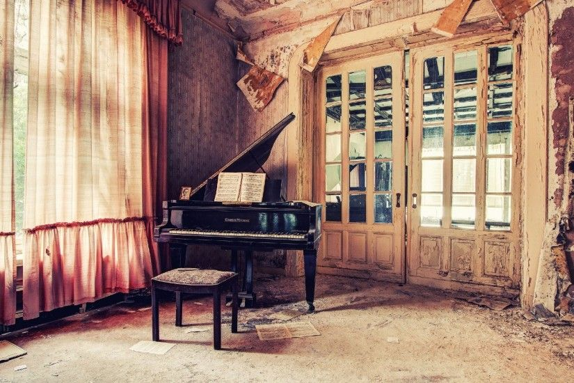 Classic Piano wallpapers and stock photos
