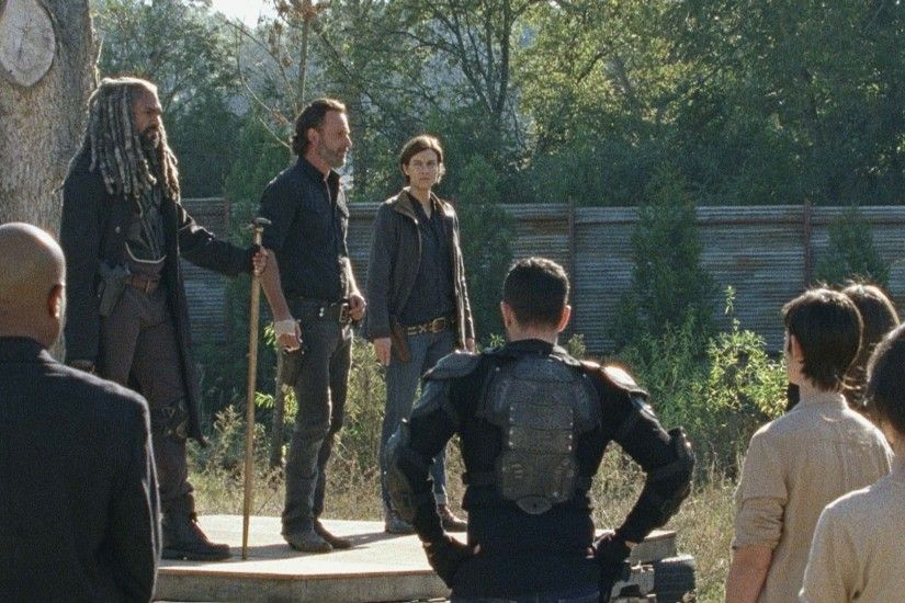 Video Extra - The Walking Dead - (SPOILERS) Wrapping Up Season 7 of The  Walking Dead - AMC