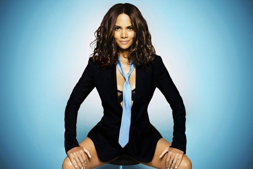 ... 11 Gorgeous HD Halle Berry Wallpapers - HDWallSource.com ...