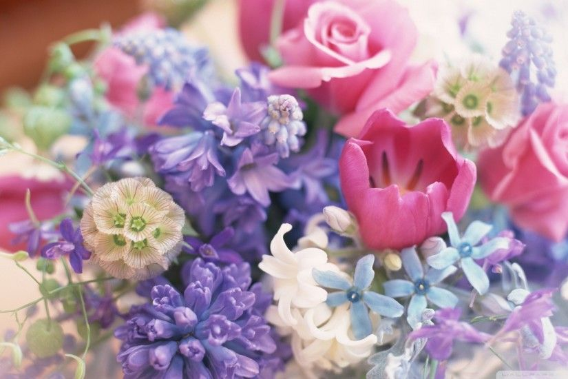 Show your love on Mother's Day with a beautiful bouquet of flowers