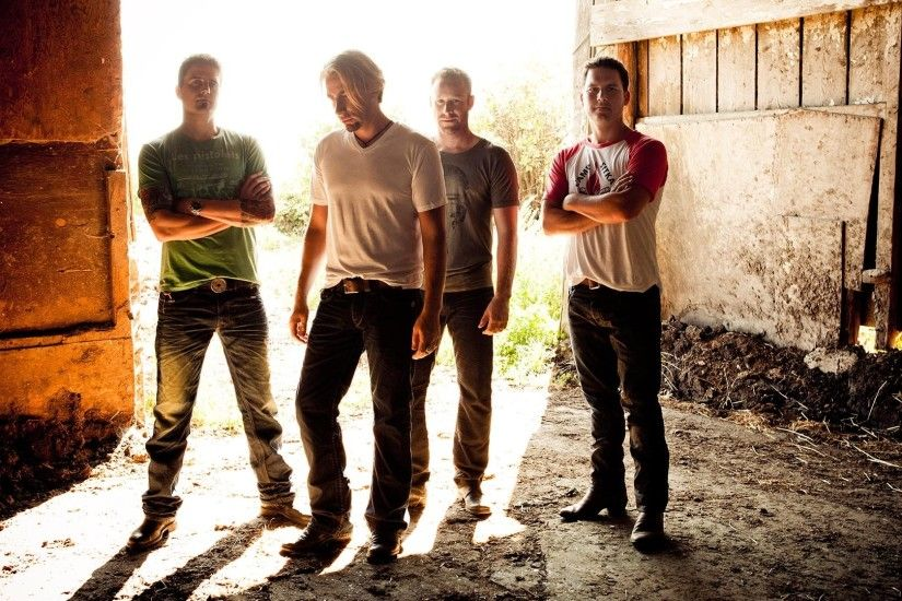 1920x1080 Wallpaper nickelback, sunlight, blonde, house, band