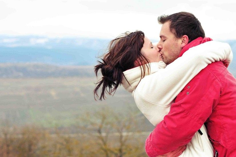 Love couple kissing, hand-expression of love-romantic couple .