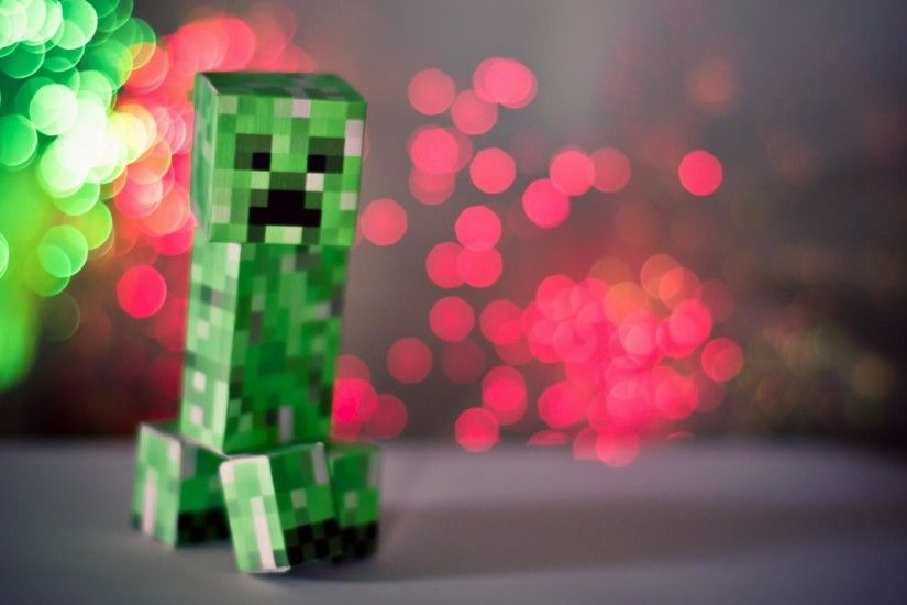 Minecraft Wallpaper with a paper crafted Creeper