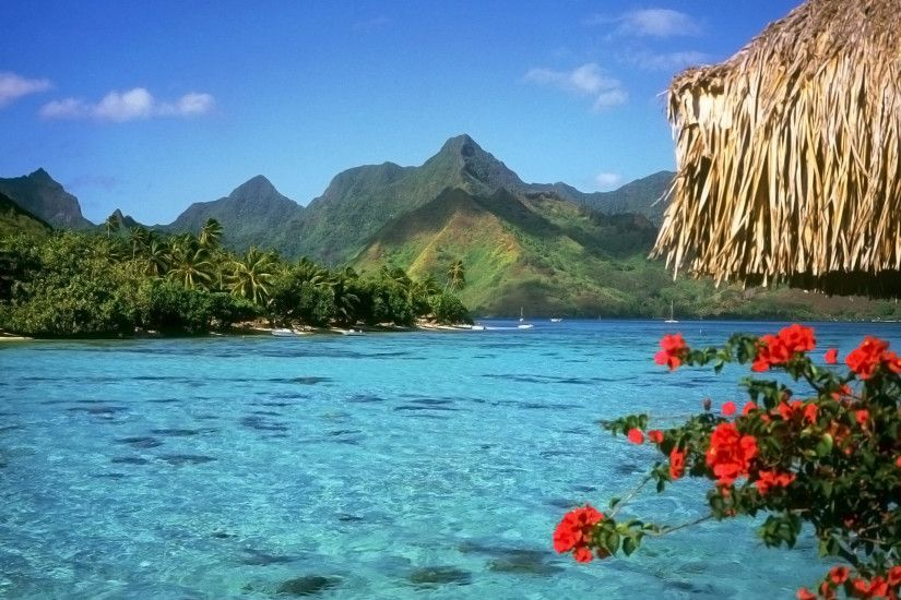 Bora Bora, Island in the Leeward group of the Society Islands of French  Polynesia wallpaper
