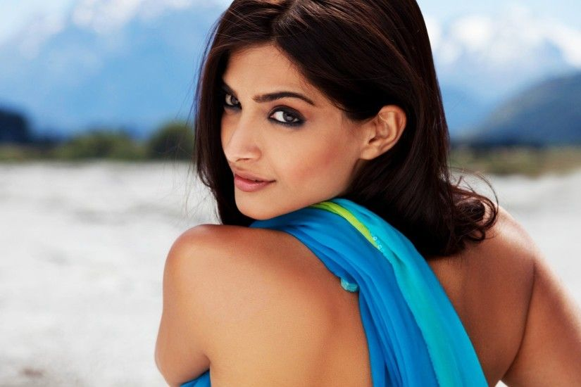 Indian Hottest Actress HD Wallpapers
