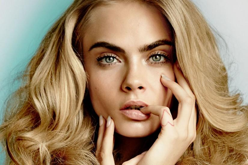 Blonde Cara Delevingne hairstyle and makeup picture HD for free