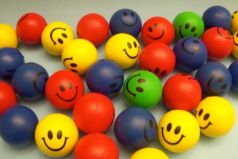 Learn Colours with HUGE Smiley Face Squishy Balls! Fun Learning Contest! -  YouTube