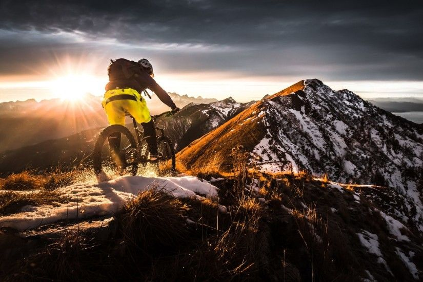 2048x1197 Mountain Biking Extreme Sports Wallpaper HD Free Download