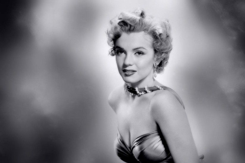 Marilyn monroe backgrounds hot marilyn monroe wallpaper hd ololoshka pinterest marilyn monroe wallpaper voltagebd Choice Image