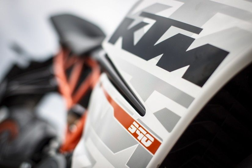 ktm-rc-390-review. 92508_KTM_RC_390_Details_2960