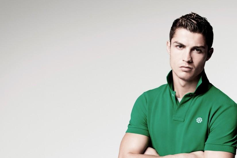 Cristiano Ronaldo Wallpaper 2014 with Green Shirt