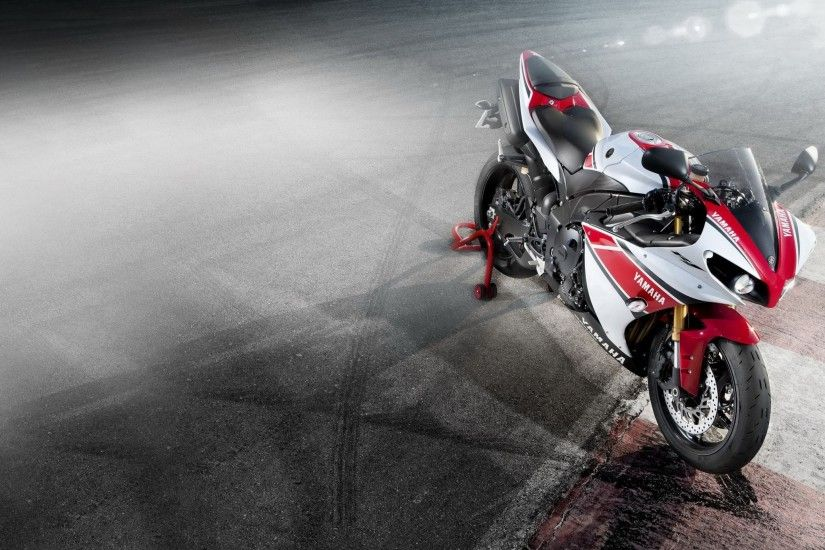 13154 Views 4475 Download Yamaha Yzf R1 Bike HD Photo
