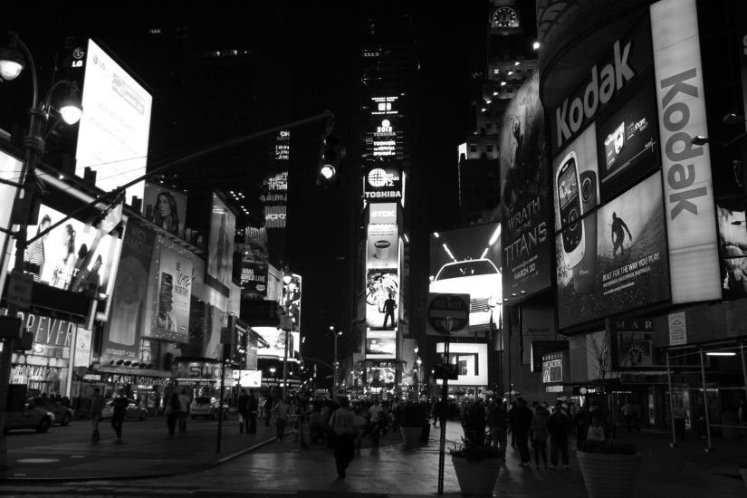 4K HD Wallpaper: Times square at night in black and white