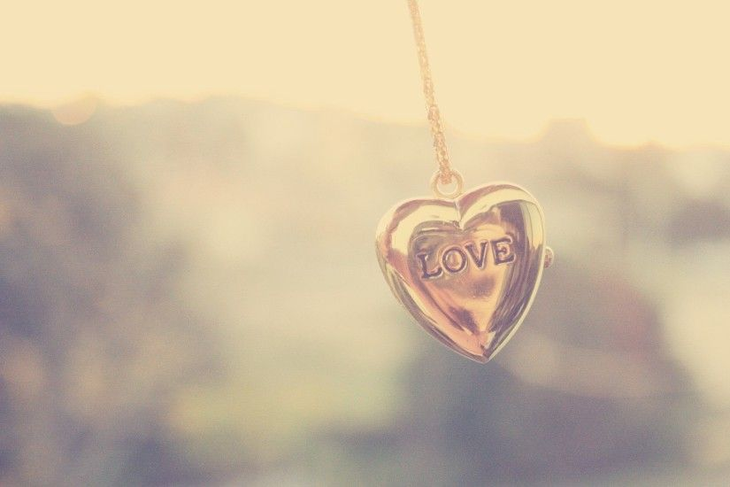 Necklace Love Heart Wallpaper HD For Desktop.