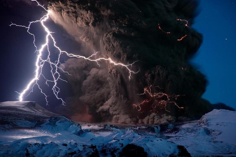 widescreen lightning wallpaper 1920x1200