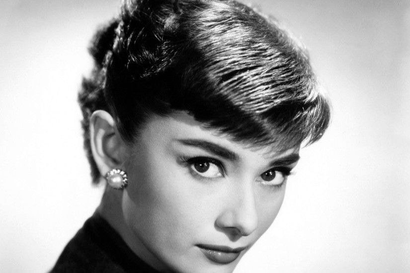 Celebrity - Audrey Hepburn Wallpaper