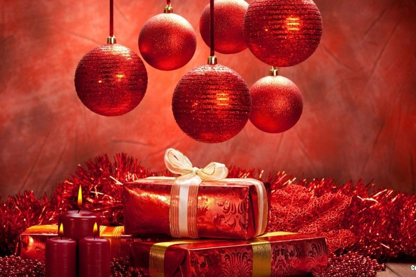 Christmas balls and gifts wallpaper