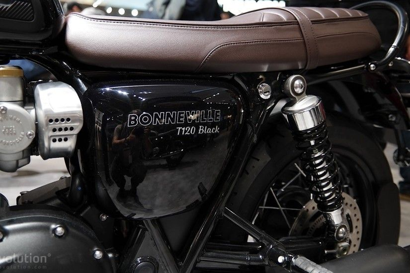 ... Triumph Bonneville T120 Black at EICMA 2015 ...