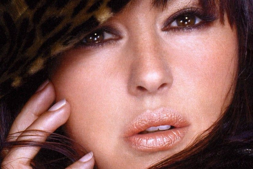 Monica Bellucci - Celebrity Wallpapers