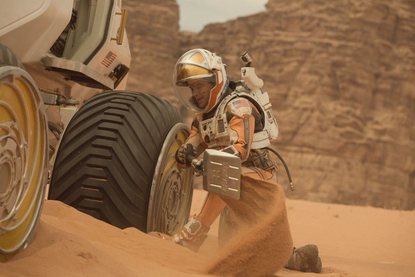 Matt Damon and rover image from The Martian movie ...