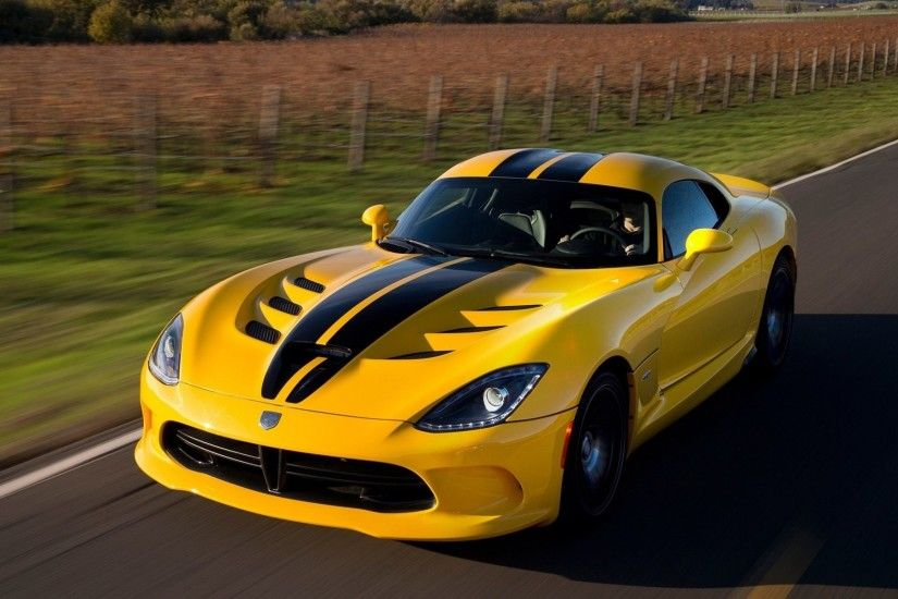 Dodge Viper Images and Wallpapers Dodge-Viper-SRT-GTS-Yellow-Color