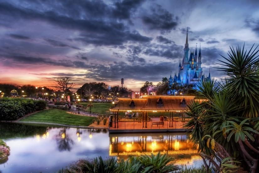 Disneyland evening Wallpapers Pictures Photos Images. Â«