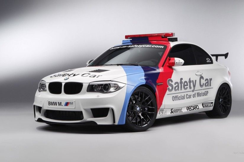 BMW M Safety Car 4k iphone wallpaper