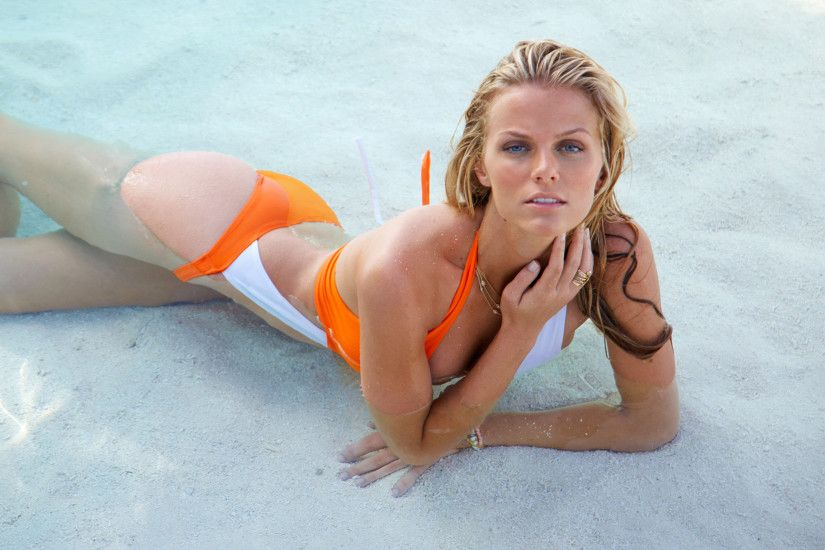 Brooklyn Decker Photos