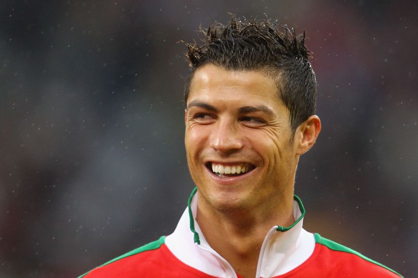 Cristiano Ronaldo Widescreen Wallpaper 2560x1600