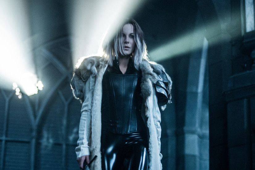 kate-beckinsale-selene-in-underworld-blood-wars-qhd.