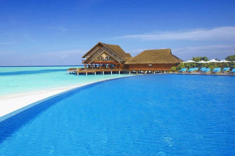 World / Beach resorts Wallpaper