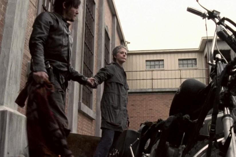 HD Daryl Dixon Romantic With And Carol His Motor Bike In Wallpaper
