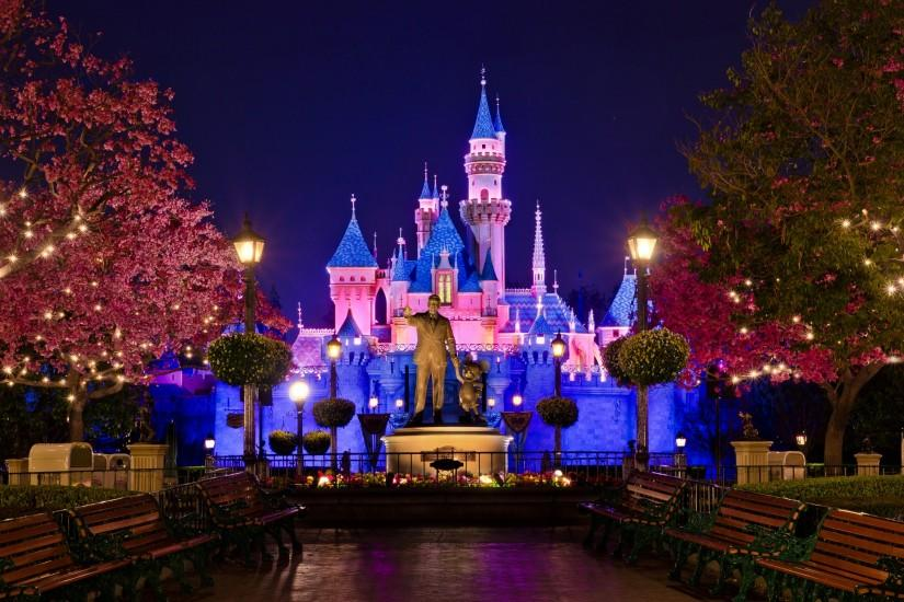 Cool Disney Castle High Resolution Wallpaper. Breathtaking Disney Christmas