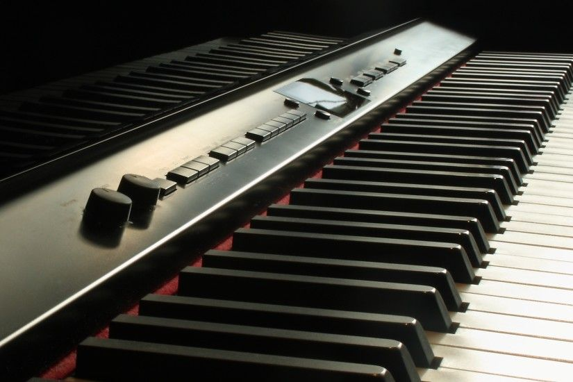 black electronic keyboard preview