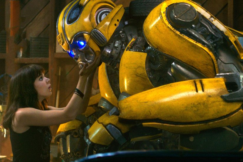 Bumblebee is basically E.T., but with a Transformer. It's delightful!