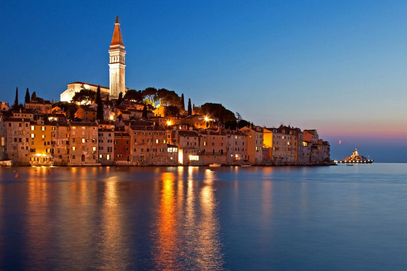 A breath-taking sky at the night in Rovinj, Croatia - Beach Wallpapers