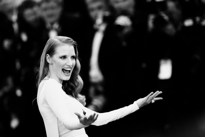 happy jessica chastain wallpaper 7203