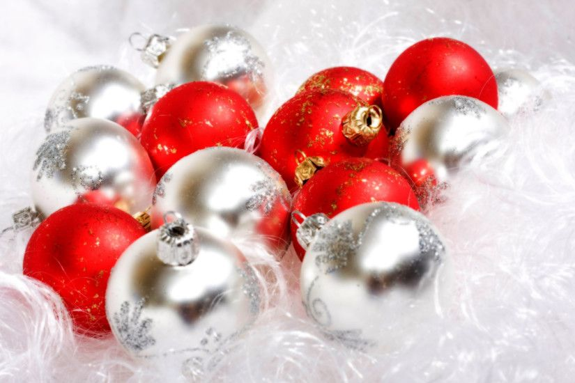 Red And White Christmas Ball Christmas Balls