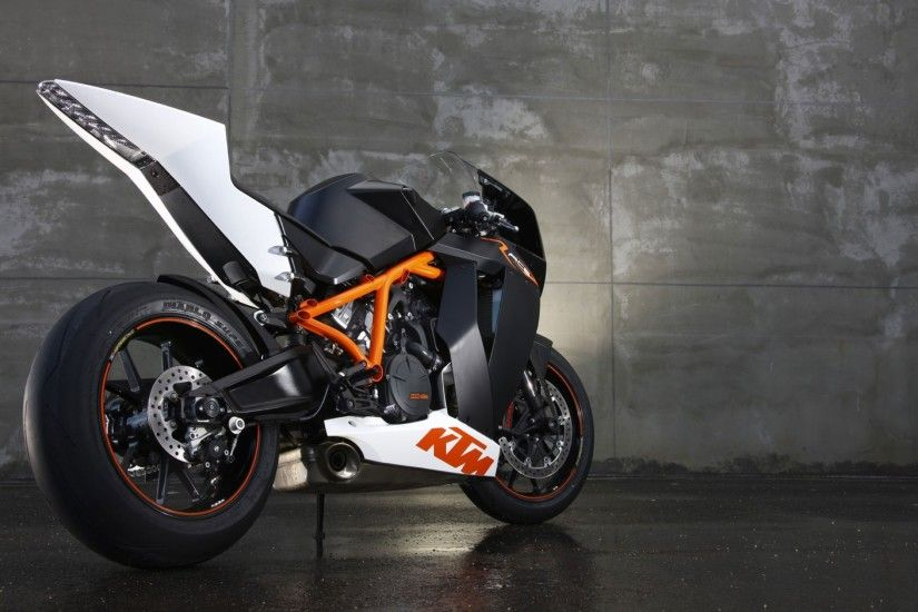 KTM 1190 RC8 Motorbike Wallpaper