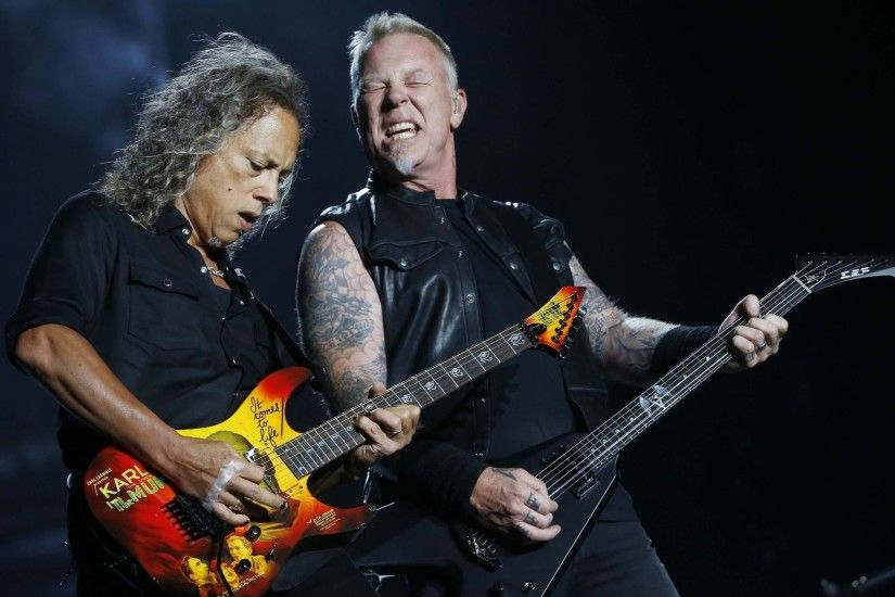 Lead guitarist Kirk Hammett (left) and James Hetfield