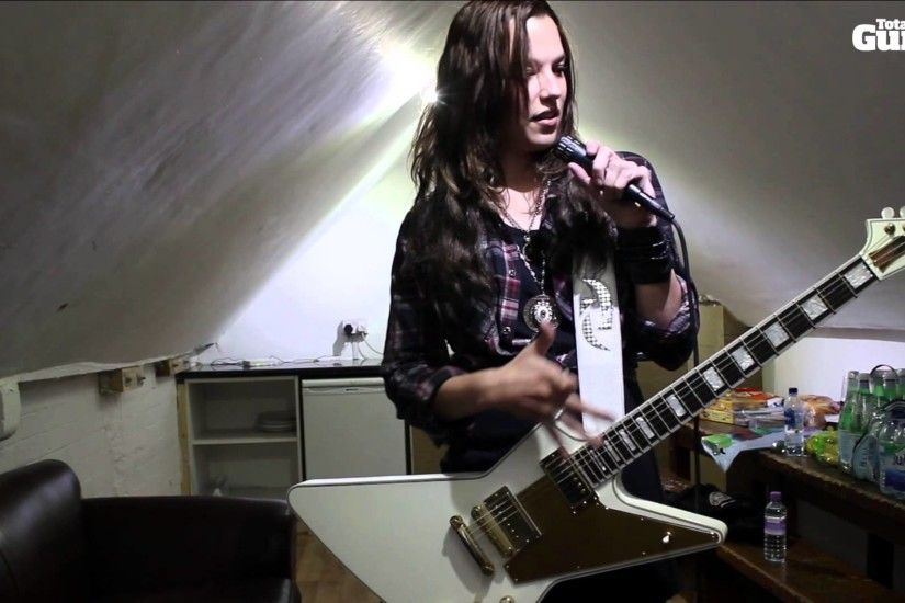 Me And My Guitar: Lzzy Hale (Halestorm) and her custom Gibson Explorer -  YouTube