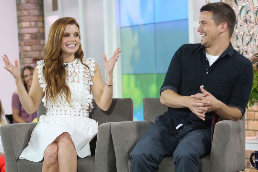 Jason Ritter and Joanna Garcia Swisher only play twins, but they still  finish each other's sentences
