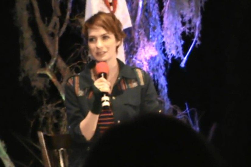 Felicia Day talks about Jared making fun of her on set - Burcon 2013