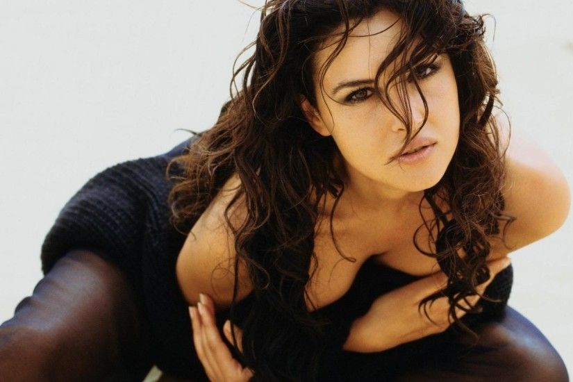 Monica Bellucci Wallpaper Hd | Img Pic | celebrities ...