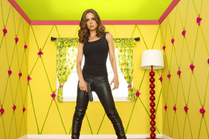 Dollhouse, dollhouse, eliza dushku, gun, tv show, yellow