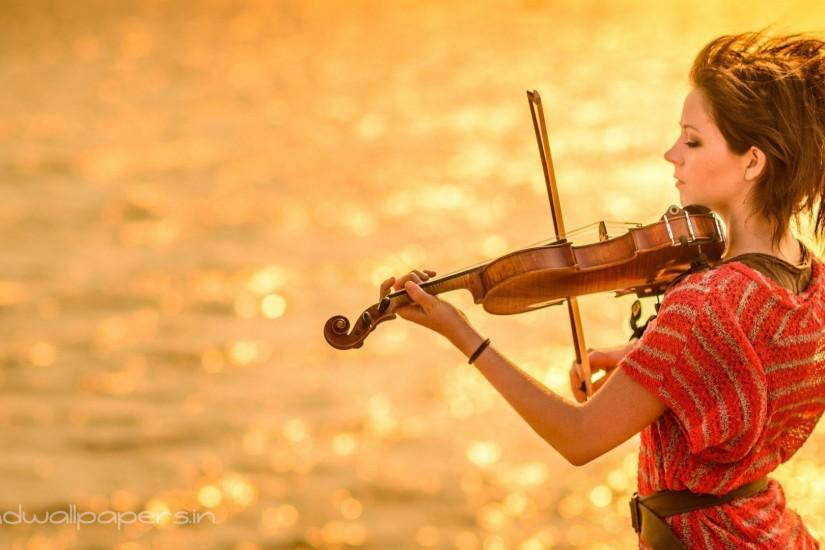 Lindsey Stirling yellow violin play